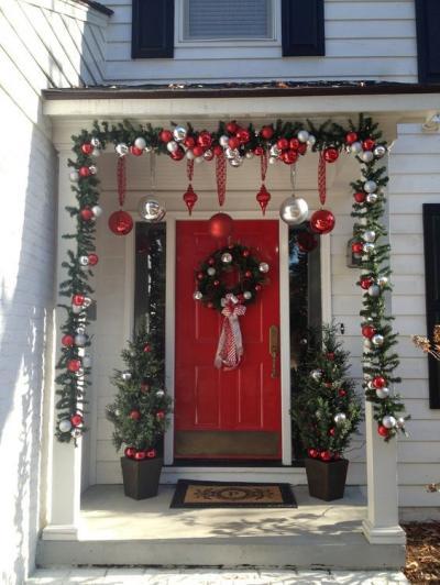 クリスマス アレンジ 飾り アプローチ 玄関まわり リース オーナメント 丸 赤