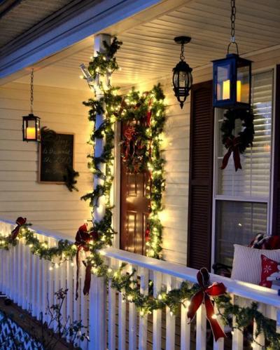 クリスマス アレンジ 飾り アプローチ 玄関まわり リース リボン ライティング