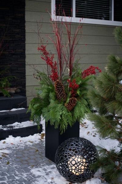 クリスマス アレンジ 飾り アプローチ 玄関まわり 松ぼっくり 飾り