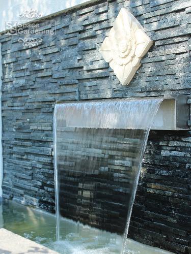庭 ガーデン デザイン バリ リゾート 噴水 壁泉 水