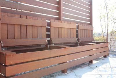 ウッドデッキ 目隠しフェンス 収納 デザイン
