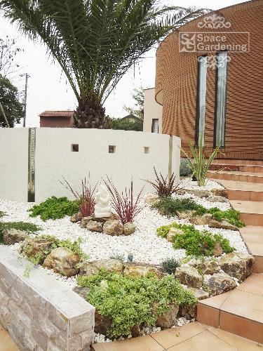 花壇 砂利 化粧砂利 雑草対策