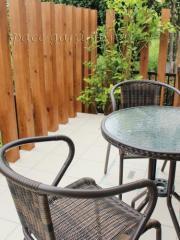 庭 テラス タイル テーブル&チェア